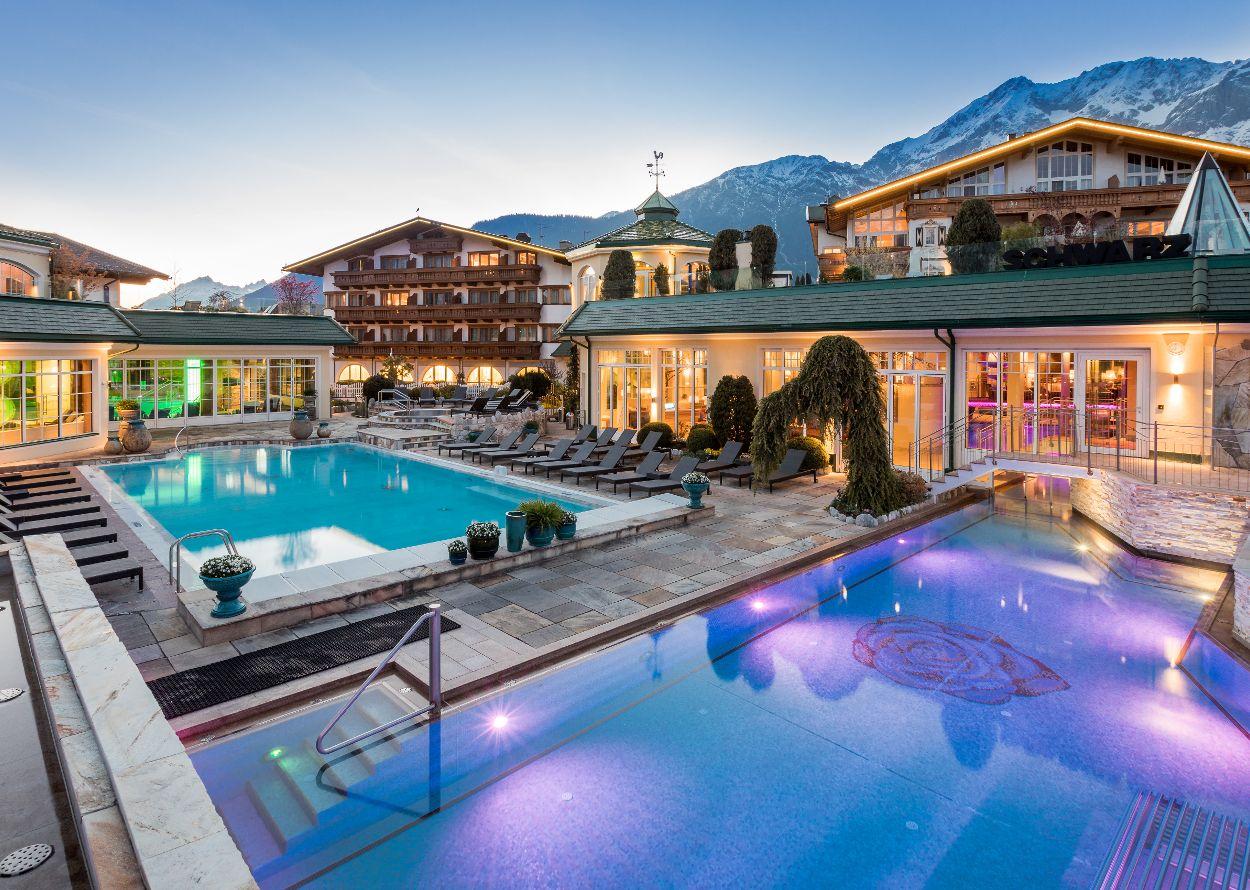 Outdooranlagen mit verschiedenen Pools