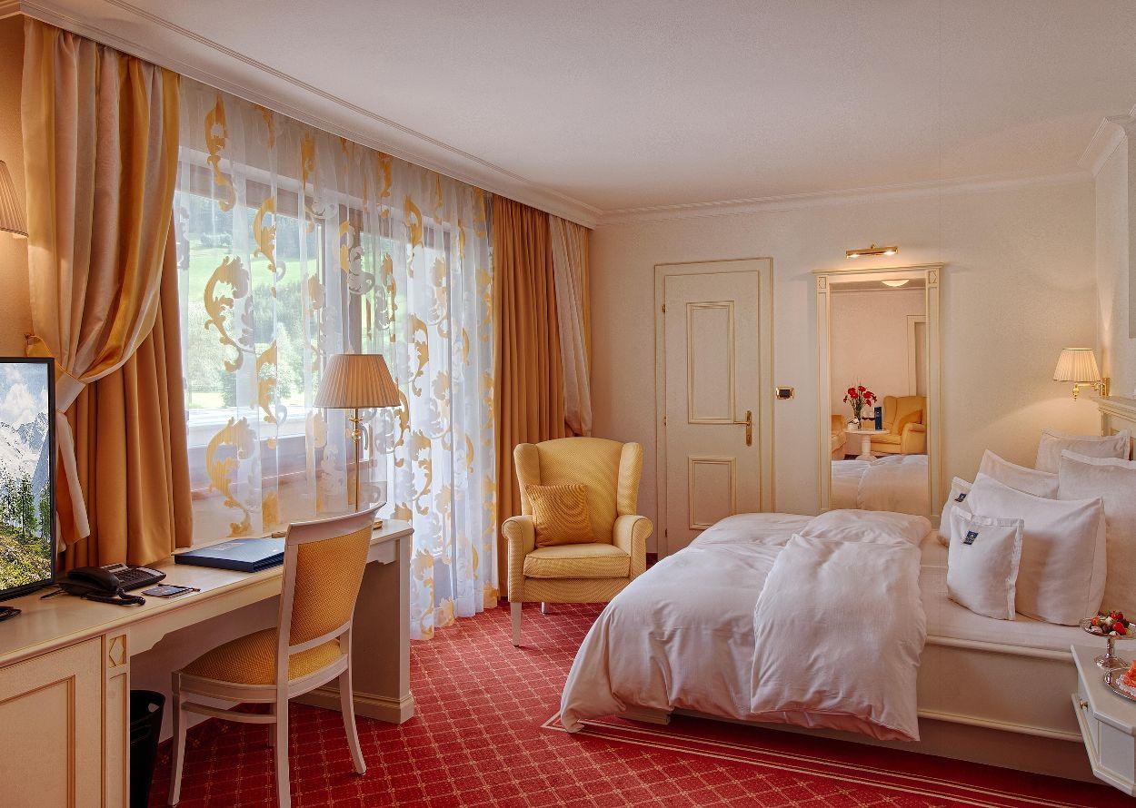 Doppelzimmer Palace.jpg