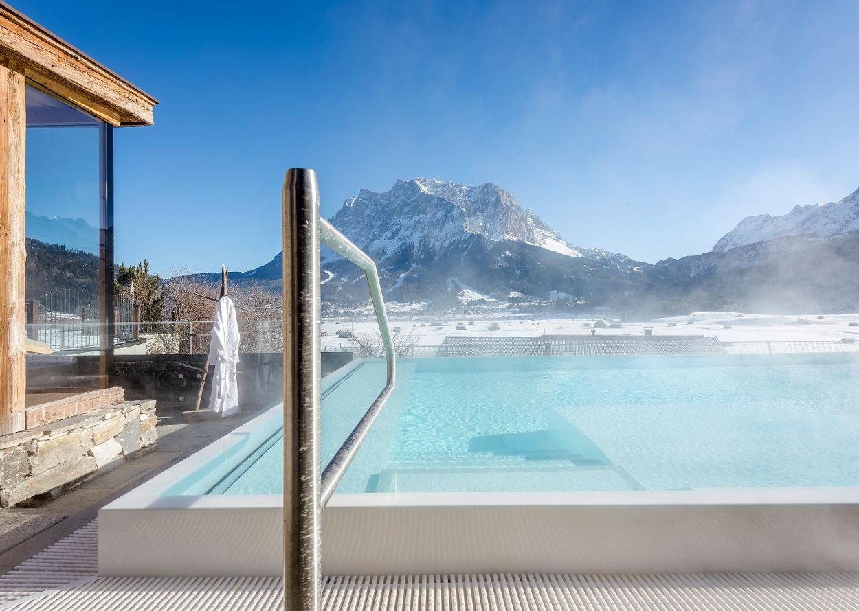 Solepool Winter Zugspitze.jpg