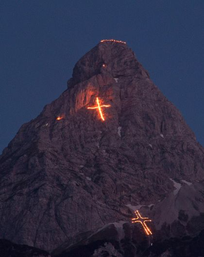 Mountains on fire 2021