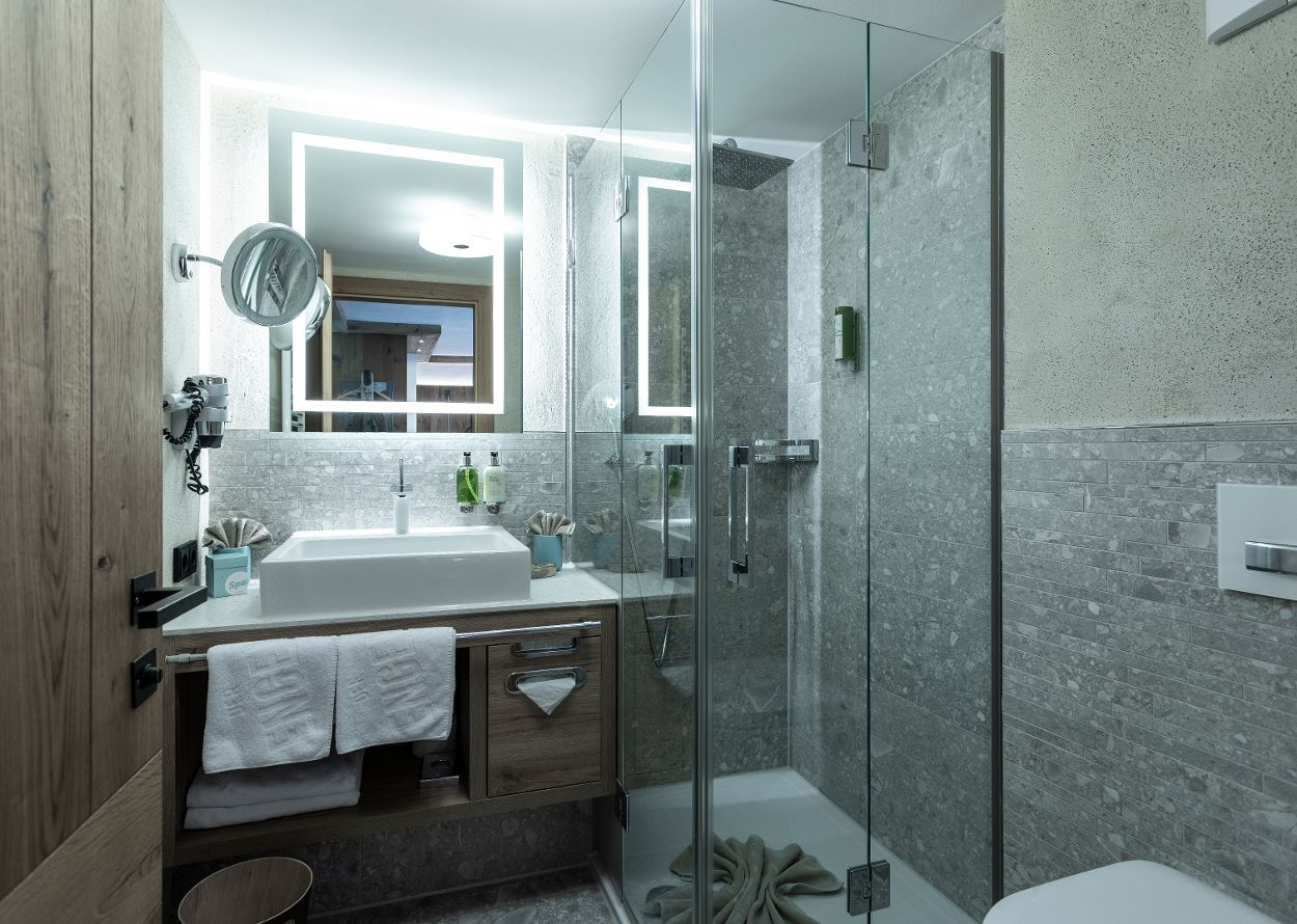 ZiNr_6_Hotel_Engel_0023.jpg